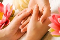 Массаж рук и ногтей
