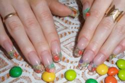 Фото 2. Фруктовый дизайн длинных ногтей