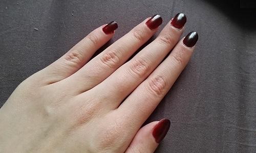 Черно красный градиентный маникюр