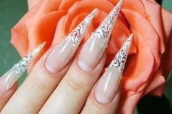 Ажурный дизайн гелевых ногтей