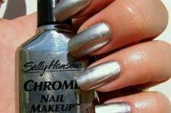 Лак от производителя Chrome nail от Sally Hansen