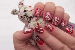 Праздничные узоры на ногтях