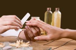 Обработка ногтей перед нанесением маникюра