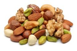 Польза орехов для ногтей
