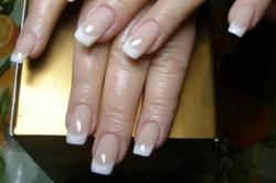 Обработка ногтей маслом