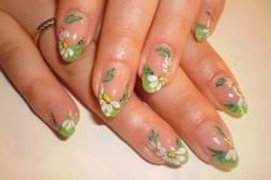 Цветочный принт ногтей френч
