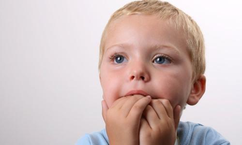 Проблема обгрызания ногтей у детей