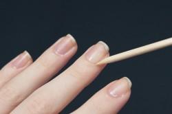 Удаление кутикулы перед наращиванием ногтей