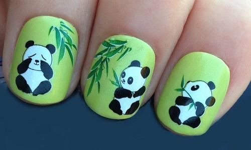 Замечательный панда на ногтях