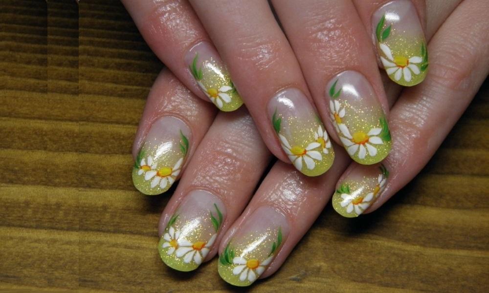 Дизайн ногтей.ромашки