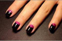 Фото 3. Покрытие ногтей двумя контрастными цветами