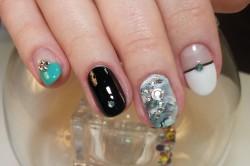 Зимний дизайн ногтей круглой формы