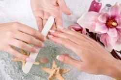 Распаривание ногтей в ванночке